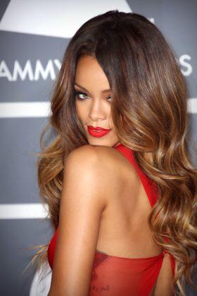 5 Romantic Hairstyles | Celebrity Valentine's Hairstyle