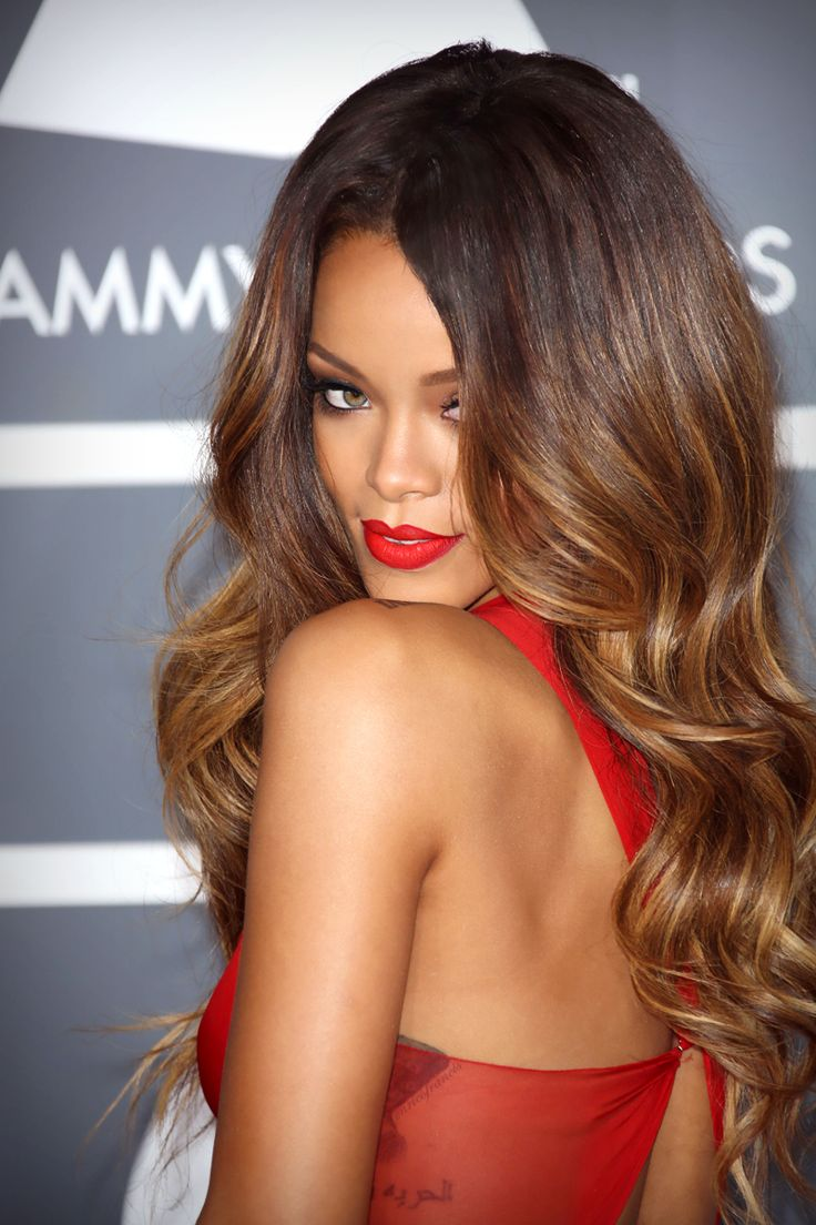 Rihanna-5-Celebrity-Valentines-Hairstyle-on-Cashmere-Hair-Extensions